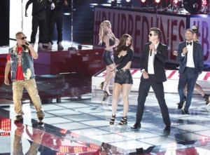 robin-thicke-performs-on-the-voice-with-pharrell-williams-and-t-i