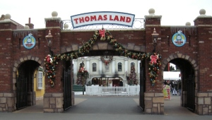 thomasland-entrance1