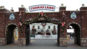 thomasland-entrance1