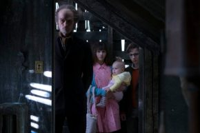 a-series-of-unfortunate-events-netflix-season-one-cancelled-renewed-3-590x393